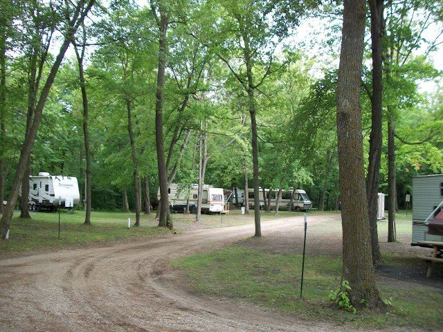 RVs at Cross Lake-Tilberg Park